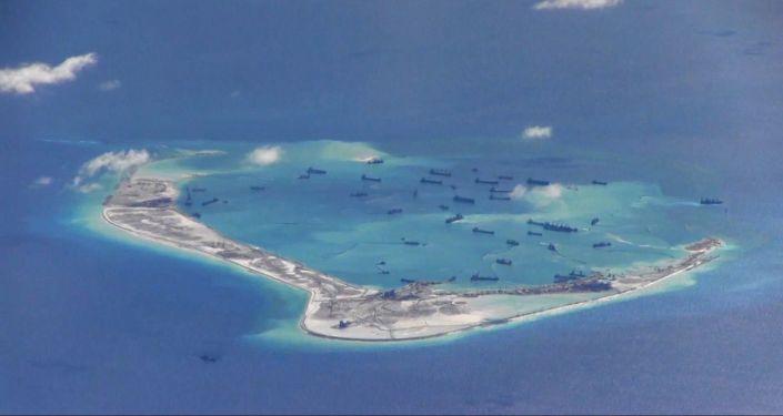 Navi cinesi presso le isole contese nel Mar Cinese Meridionale