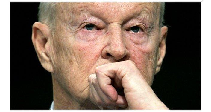 Se si crede a Brzezinski, i cittadini russi non vogliono vivere in un Paese sovrano con una civiltà, ma in una colonia depredata da superuomini e mettersi felicemente sotto gli stivali della NATO