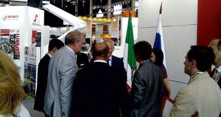Innoprom 2016 - La visita della delegazione del Tatarstan al padiglione Italia