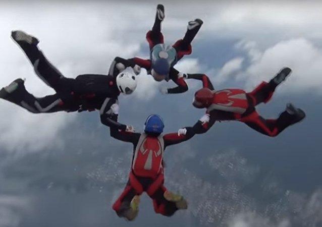 Paracadutisti russi a una gara internazionale