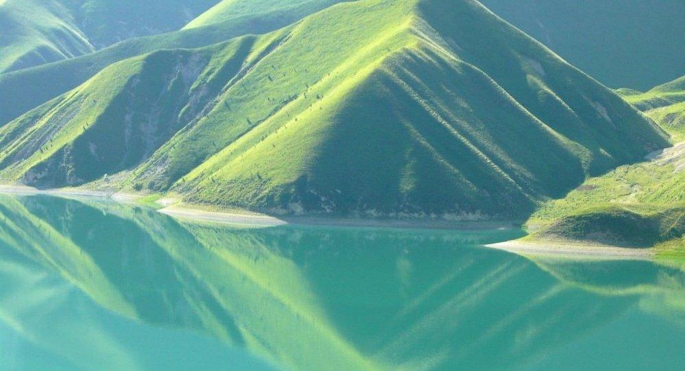 Il lago Kezenoyam