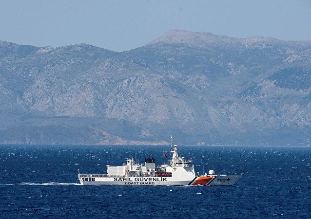 Nave di pattugliamento turca nell'Egeo