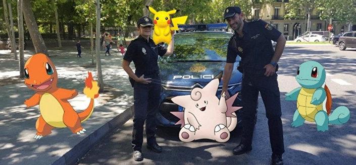 La polizia spagnola con i pokemon