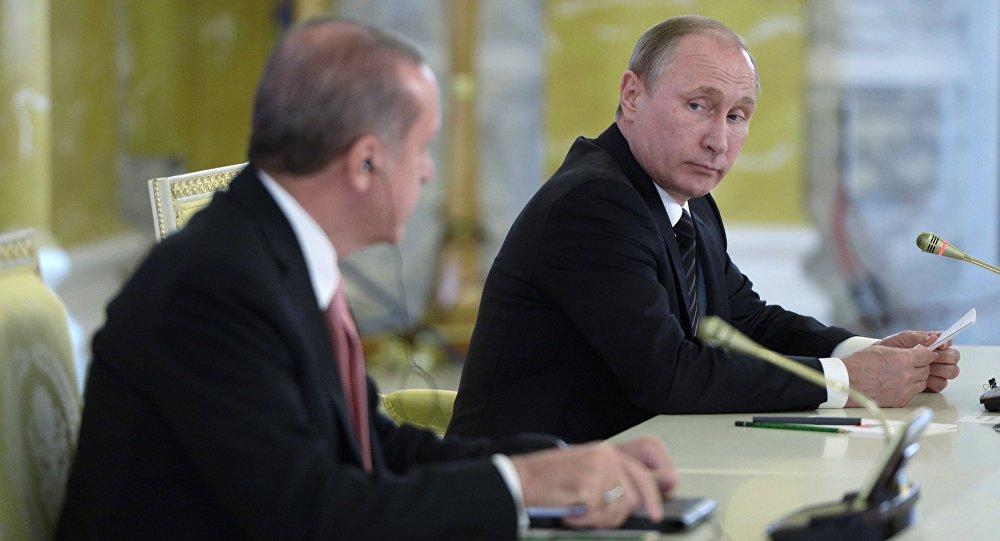 Incontro tra Vladimir Putin e Recep Tayyip Erdogan a San Pietroburgo (foto d'archivio)