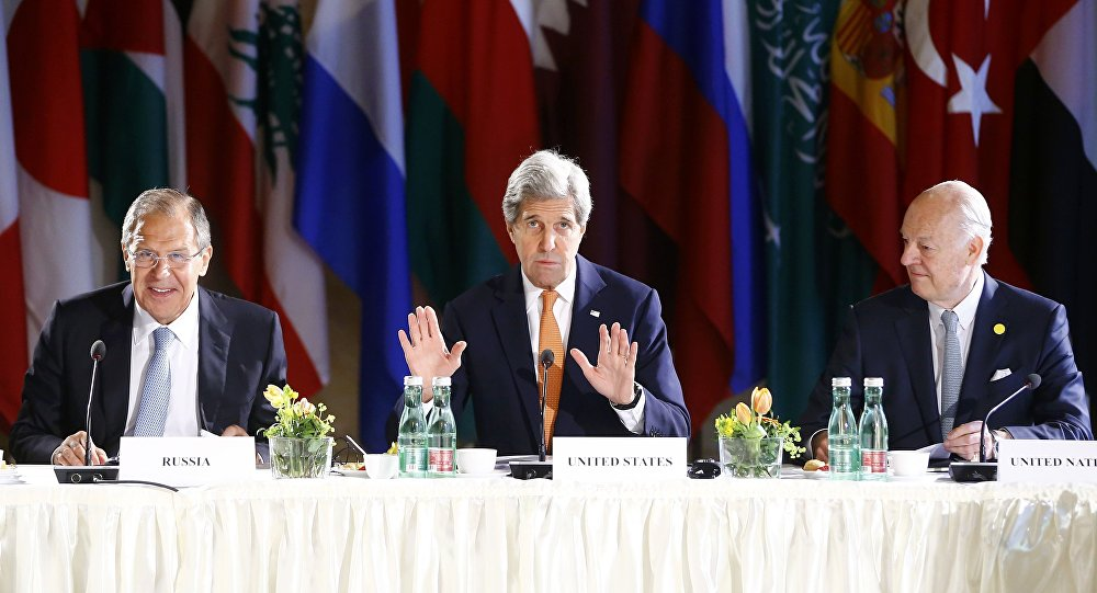 Sergey Lavrov, John Kerry e Staffan de Mistura