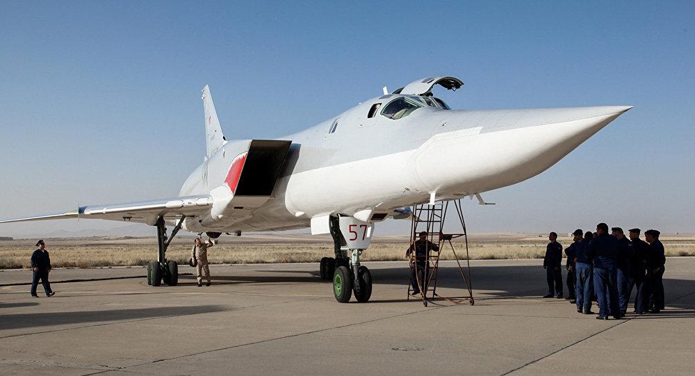 Bombardiere russo Tu-22M3 presso la base iraniana di Hamedan nell'agosto 2016