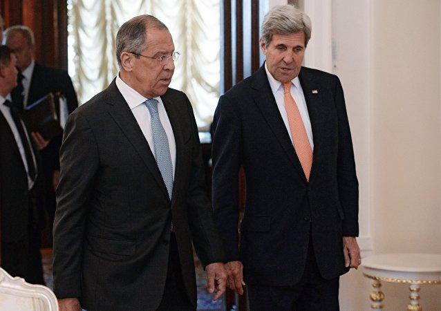Capi diplomazie di Russia e USA: Sergey Lavrov e John Kerry