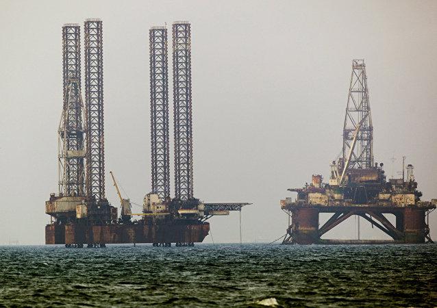 Estrazione petrolio nel Mar Caspio