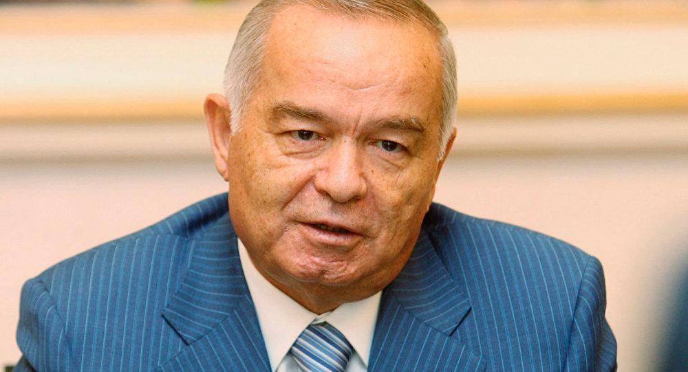 Uzbekistan: fiori Putin su tomba Karimov