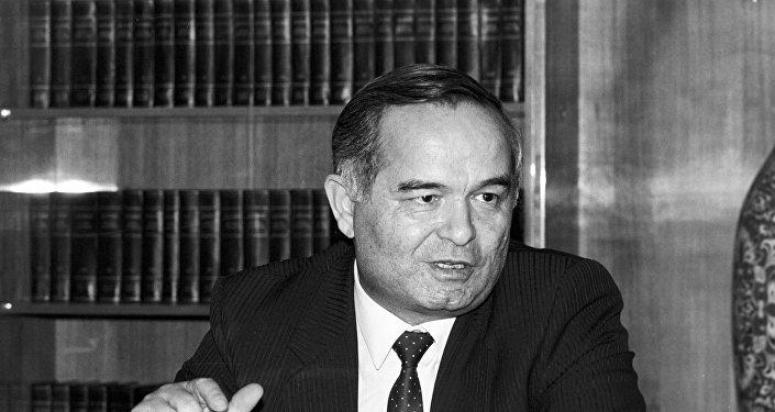 Islam Karimov nel 1991