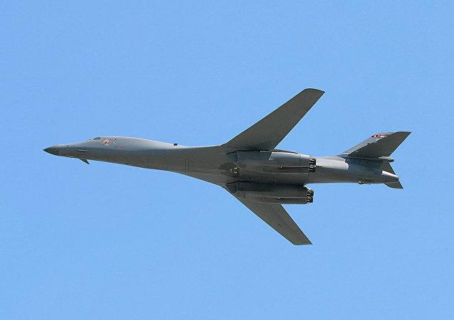 Bombardiere strategico americano B-1B
