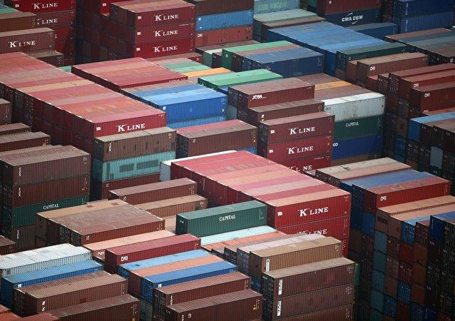 Container in struttura portuale