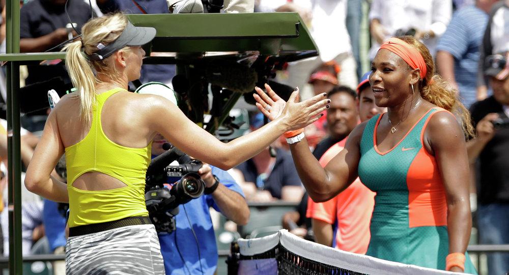 Maria Sharapova e Serena Williams (foto d'archivio)