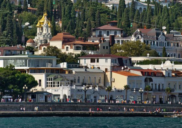 La vista su Yalta dal Mar Nero, Crimea