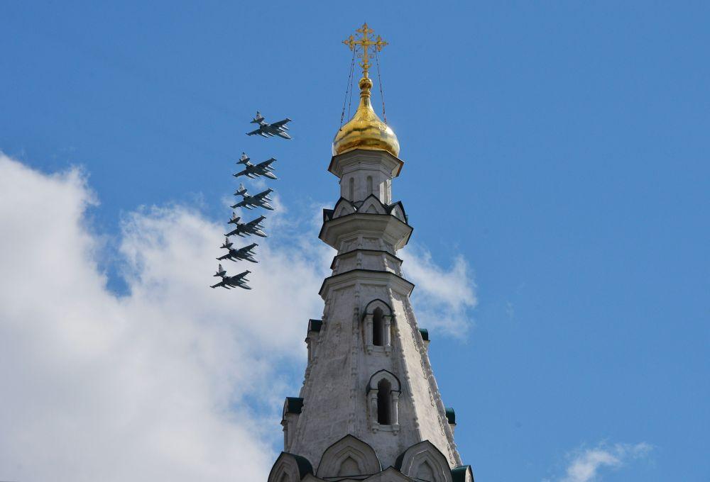 Prove della parte aerea della parata militare del 9 maggio a Mosca.