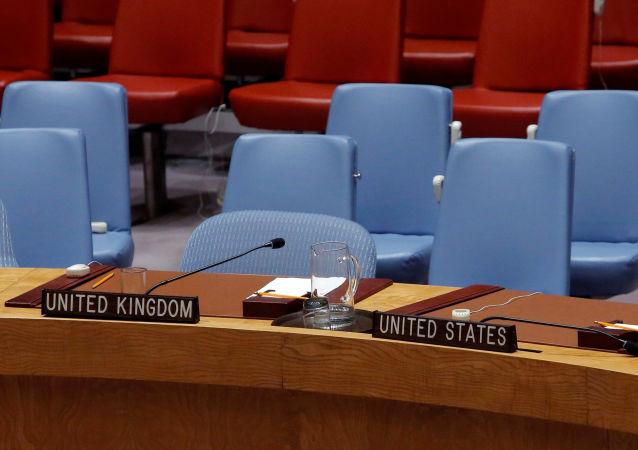 Sedie vuote di USA e UK all'ONU