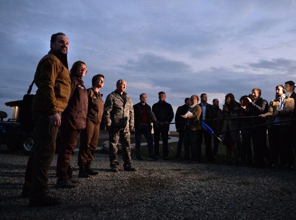 Vladimir Putin durante la sua visita del Centro del ripopolamento dei cavalli di Przewalski.