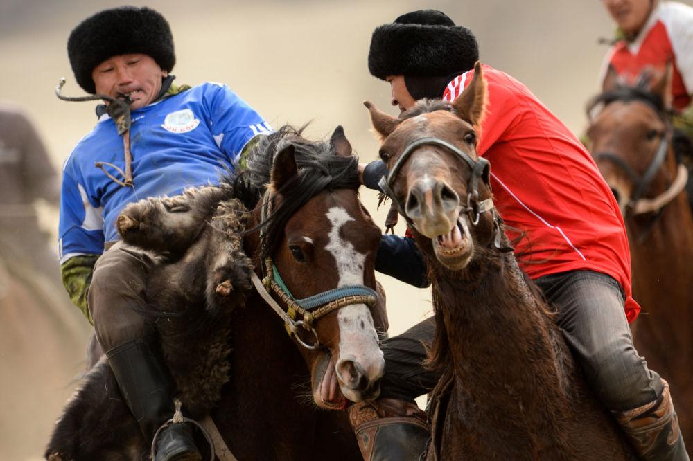 Kok Boru, il rugby delle steppe