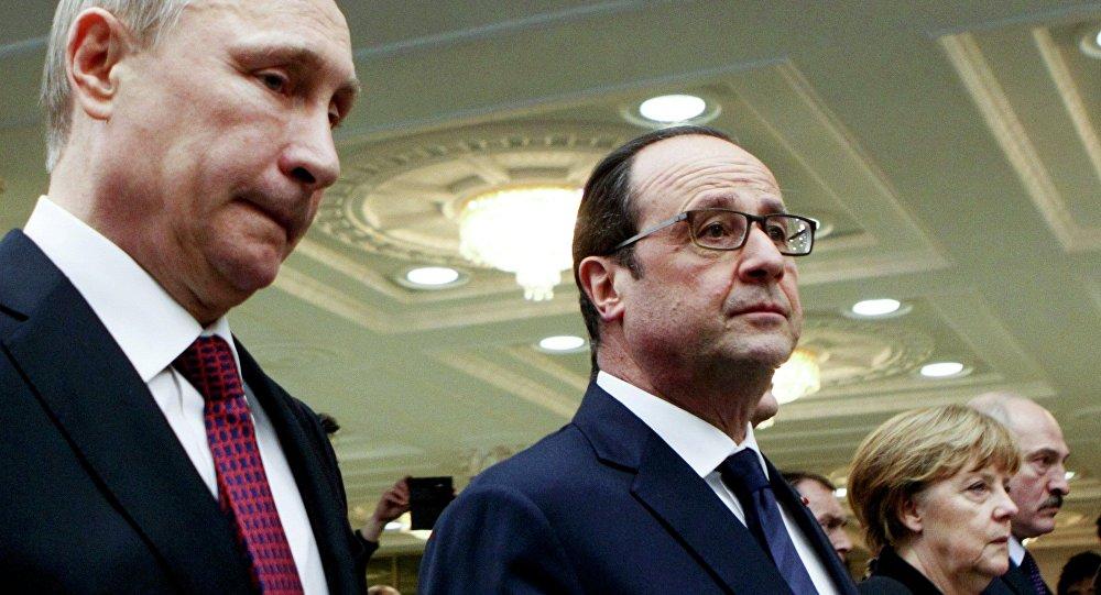 I leaders della Russia, Francia, Ucraina e Germania durante le trattative a Minsk, 11 Febbraio 2015