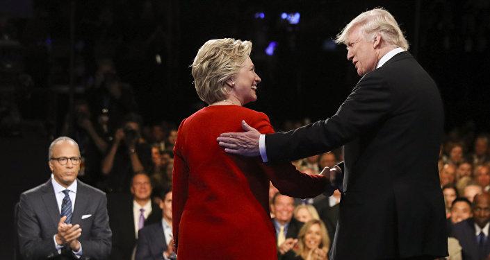 Hillary Clinton e Donald Trump (foto d'archivio)