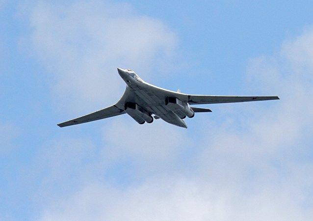 Aereo strategico russo Tu-160