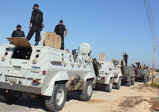 Forze di sicurezza egiziane nel Sinai (foto d'archivio)