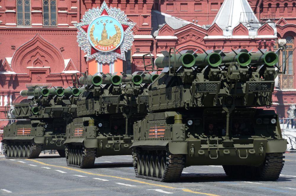 I complessi missilistici BUK-M2.