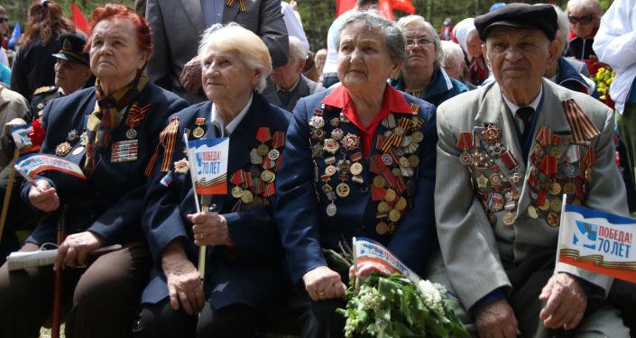 Veterani della seconda Guerra Mondiale alle manifestazioni del 9 maggio 2014 in Crimea.