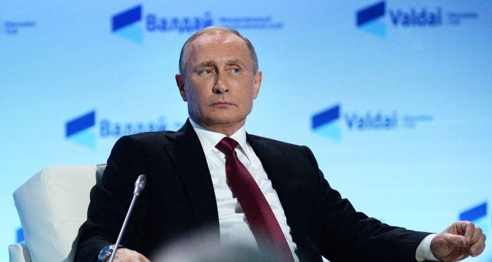 Terremoto, Putin telefona a Renzi: