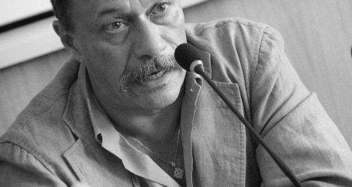 Augusto Grandi, giornalista e scrittore italiano