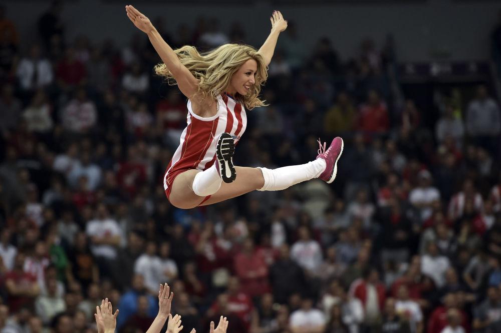 Cheerleader del club Zrvena Zvesda a Belgrado