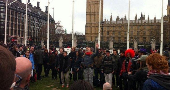 Il gruppo Occupy Democracy.
