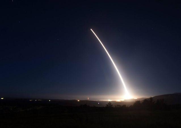Test del missile balistico intercontinentale americano Minuteman III