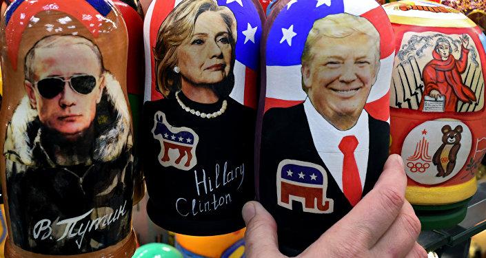 Matrioske con foto di Vladimir Putin, Hillary Clinton e Donald Trump