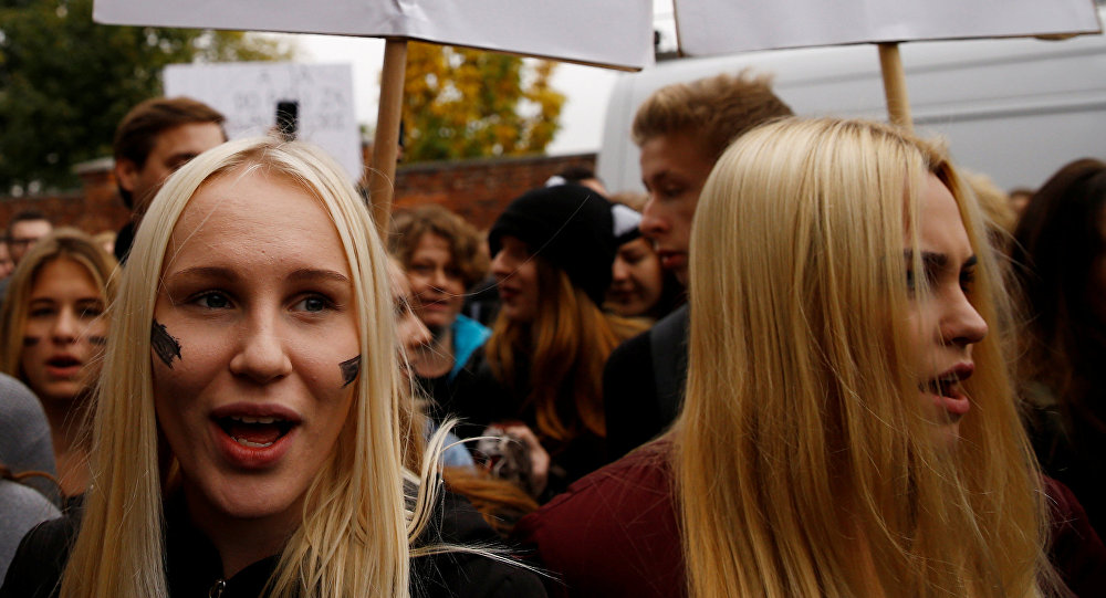 Polacche in manifestazione a difesa dell'aborto (foto d'archivio)