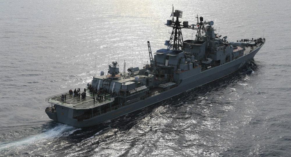Il cacciatorpediniere anti-sommergibili russo Vice Ammiraglio Kulakov