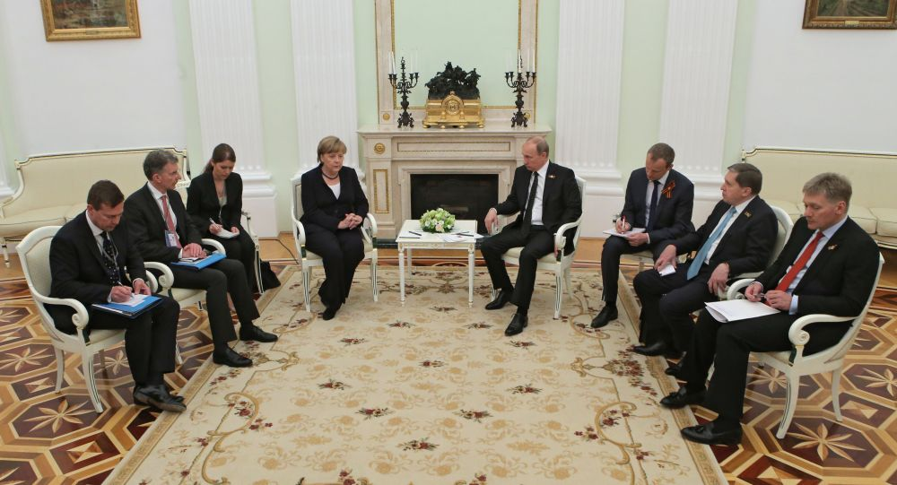 Incontro al Cremlino tra Putin e Merkel