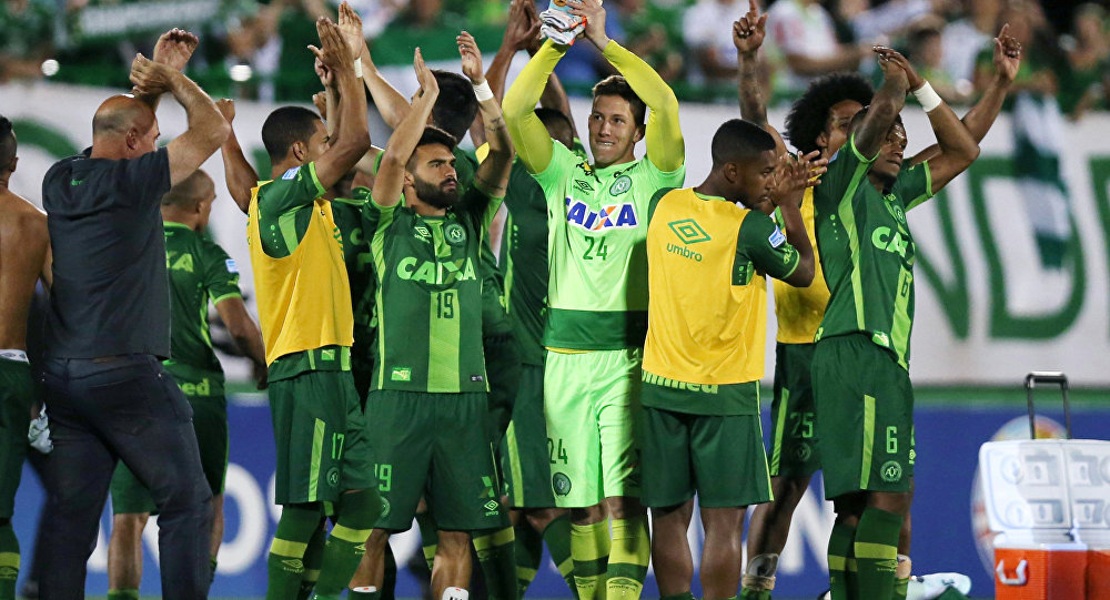 Players of Chapecoense celebrate after their match against San Lorenzo at the Arena Conda stadium in Chapeco, Brazil, November 23, 2016.