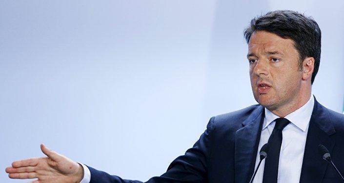 Matteo Renzi conferma l'intenzione di procedere con il suo piano di riduzione fiscale in Italia