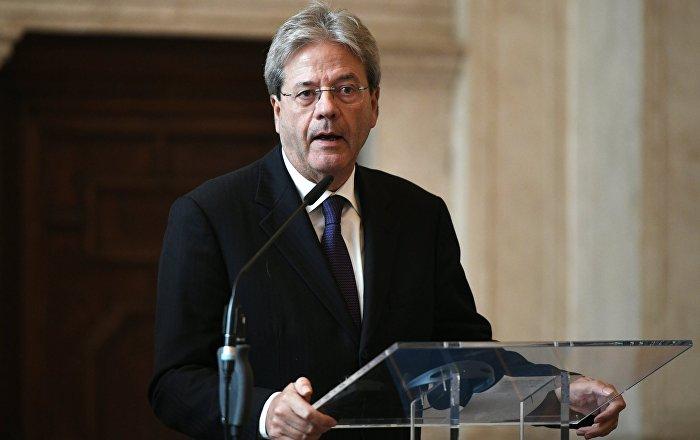 Paolo Gentiloni durante la conferenza stampa con il suo omologo russo Sergei Lavrov a Roma.