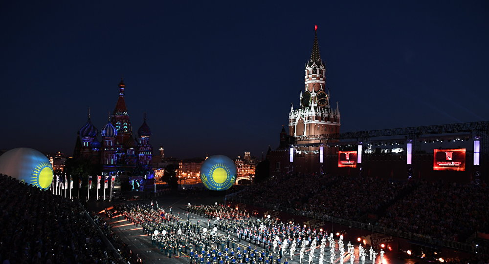 La banda del Kazakhstan sulla piazza Rossa