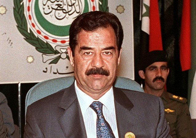 Saddam Hussein (foto d'archivio)