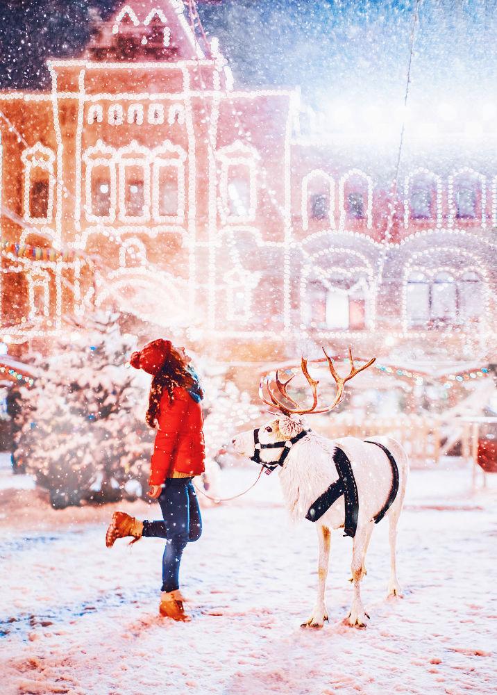 Una ragazza sulla Piazza Rossa.