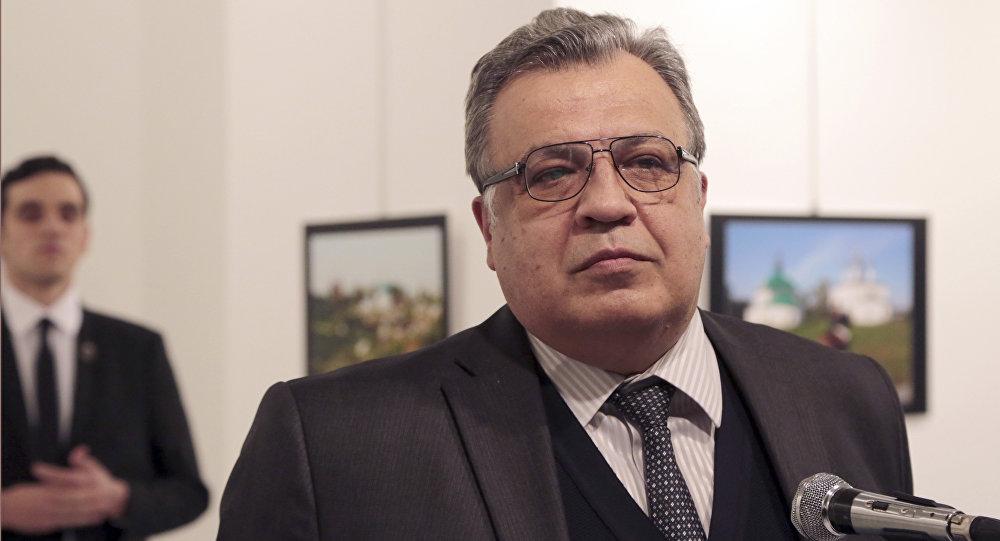 Andrey Karlov, ambasciatore russo ad Ankara poco prima di essere ucciso