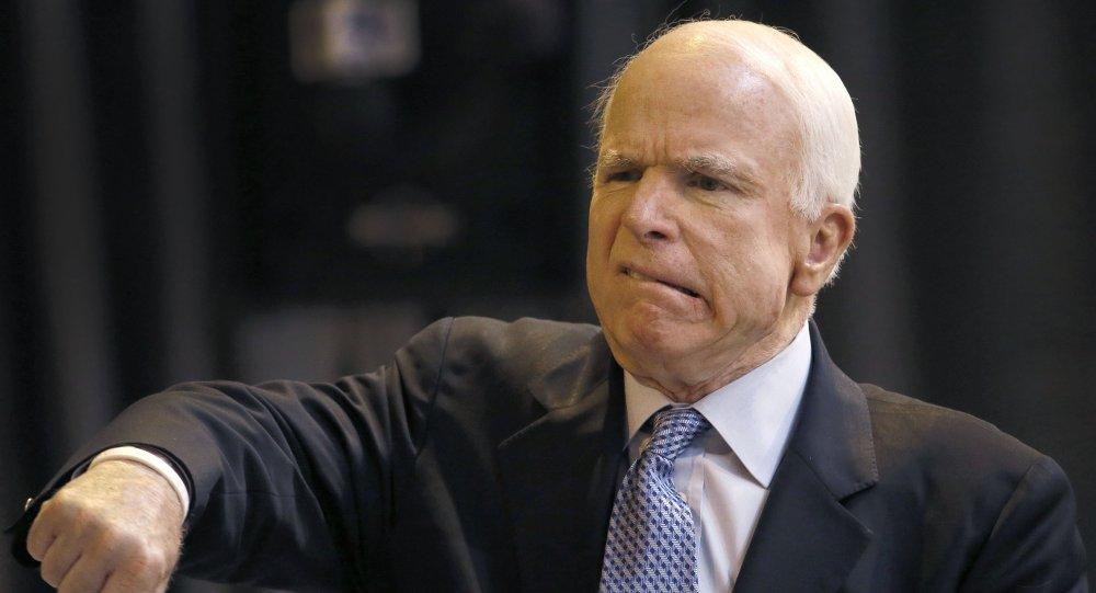 Senatore John McCain