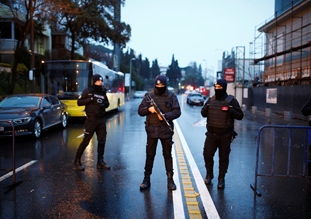 Poliziotti ad Istanbul