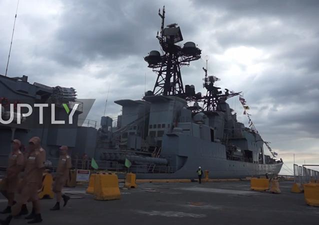 Filippine, due navi da guerra russe arrivano nel porto di Manila