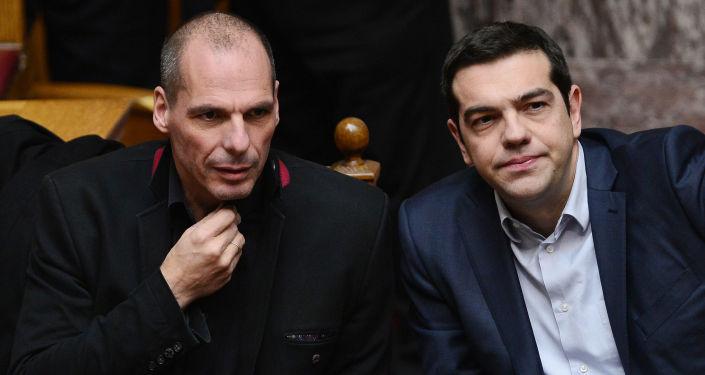 Il Primo Ministro greco Alexis Tsipras e il Ministro delle Finanze  Yanis Varoufakis.