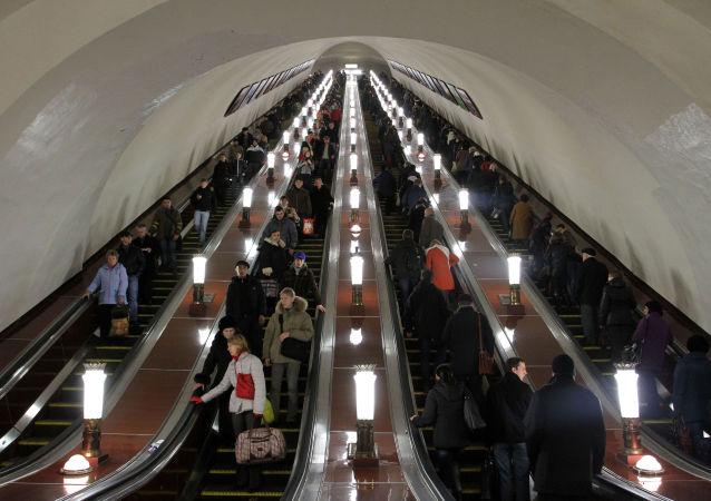 Scale mobili nella metro di Mosca.
