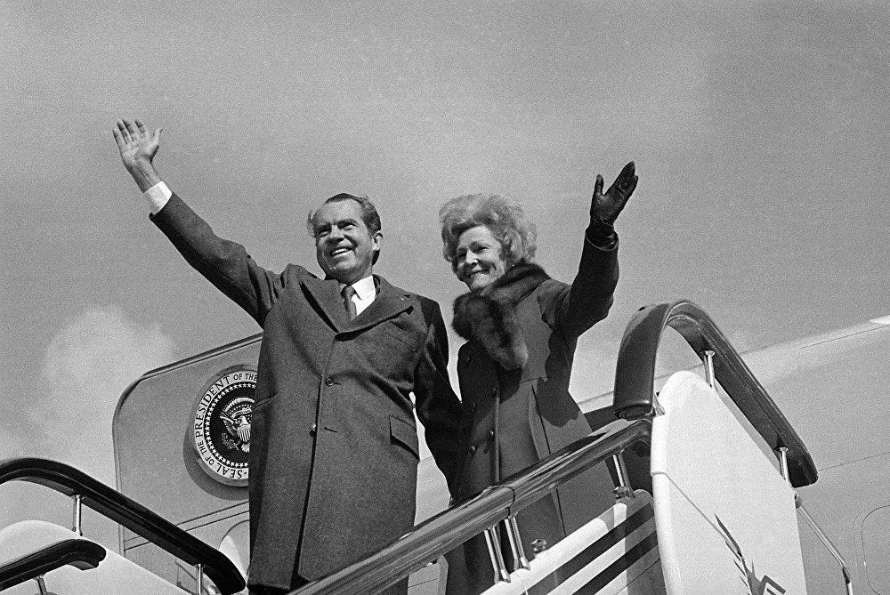 Il presidente Richard Nixon e la first lady Pat Nixon in Cina, il 28 febbraio, 1972.
